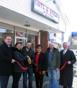 From left, Greenwood Lake Mayor Jesse Dwyer, owners Jamie Hannoushe and her partner Charlie Bechara, Sherry Bukovcan, president of the Warwick Valley Chamber of Commerce, Kevin Kelly, treasurer of the Greenwood Lake Chamber of Commerce and Michael Johndrow, executive director of the Warwick Valley Chamber of Commerce.