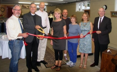 Photo by Roger Gavan From left, Mayor Michael Newhard, Rector Father James W. Erwin Jr., volunteer Ed Sattler, co-Chair Barbara Burke, volunteer Bill Schultz, co-Chair Sally Mitchel, Vestry member Gail Scott Graf and Michael Johndrow, executive director of the Warwick Valley Chamber of Commerce.