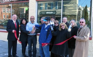 Photo by Roger Gavan On Thursday, Jan 14, Town of Warwick Deputy Supervisor James Gerstner (far left), Mayor Michael Newhard (far right) and members of the Warwick Valley Chamber of Commerce joined Patel, his wife, Bindiya (left), his staff and members of the Warwick Valley Chamber of Commerce to celebrate Beverage Plus 2 expanded location at 15 South St. in the Village of Warwick.