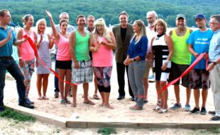 http://www.warwickadvertiser.com/apps/pbcs.dll/article?AID=/20160803/NEWS01/160809974/-1/NEWS/Jersey-Paddle-Boards-celebrates-anniversary-and-Warwick-Valley-Chamber-membership